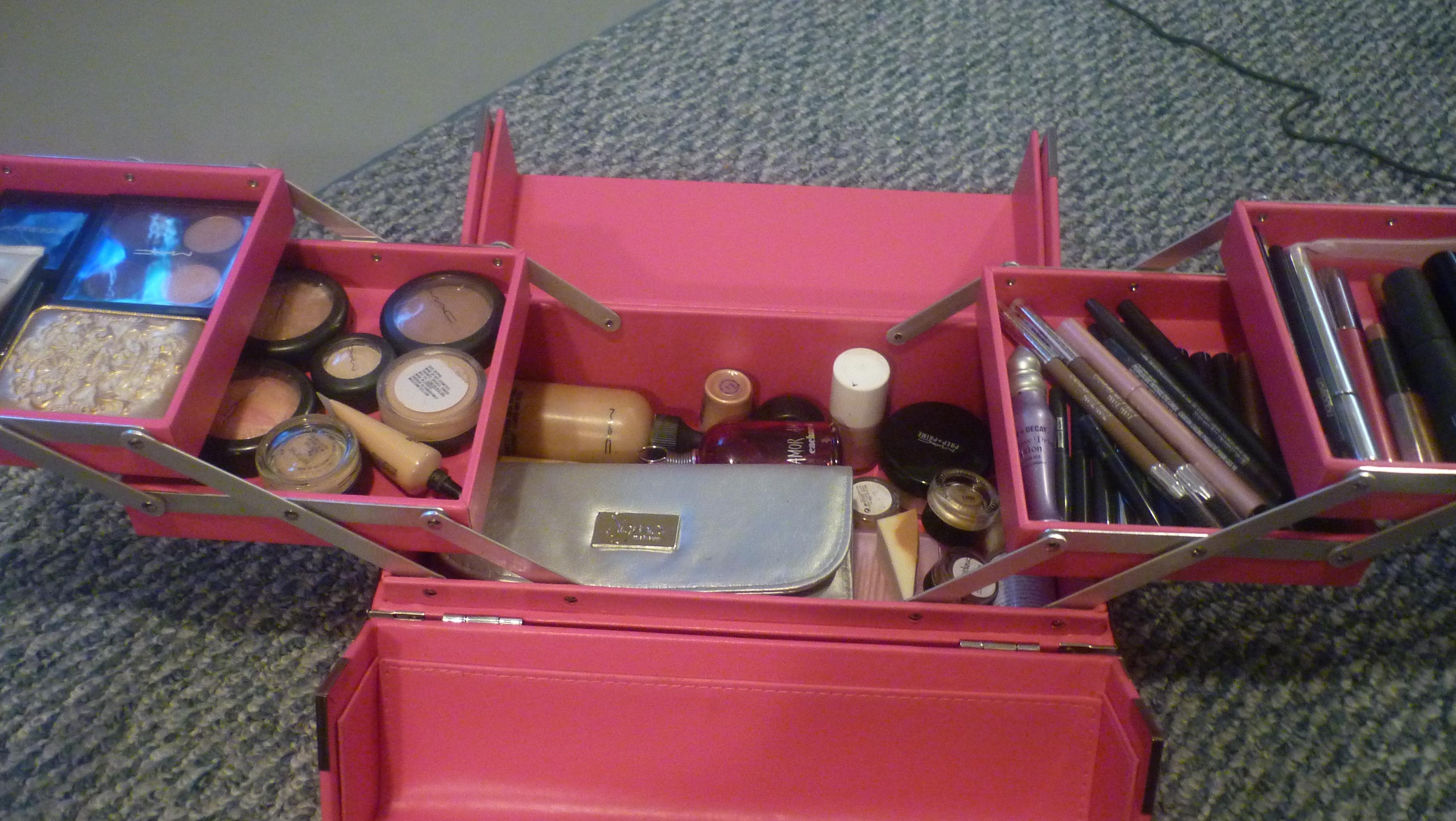 Digging through my Makeup Box…..  9c4ccc92fb0d9